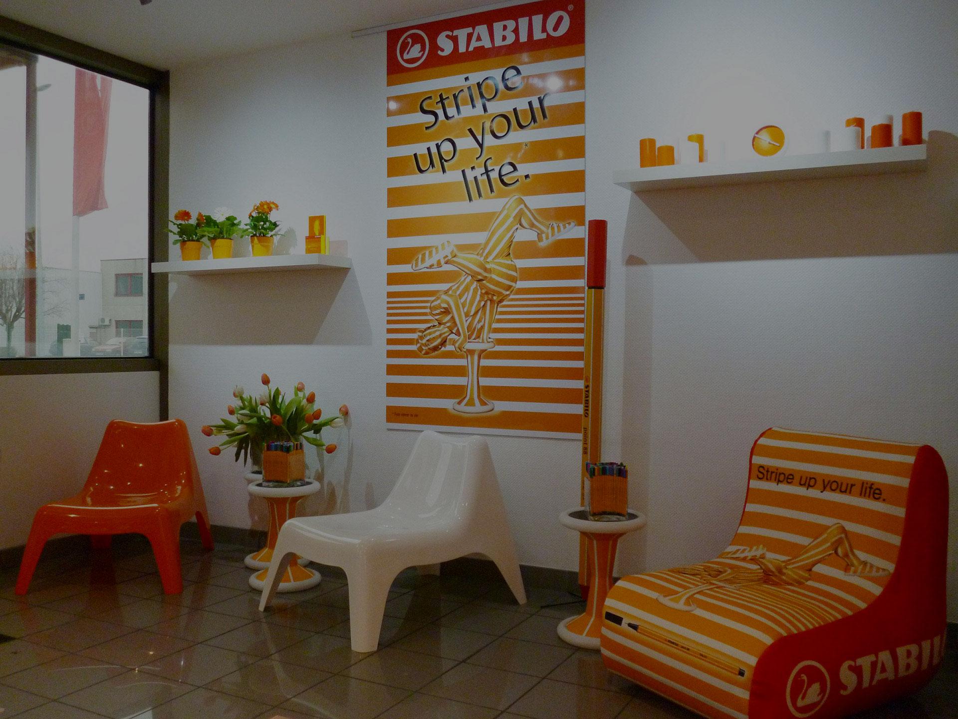 Création de bibliothèques bureaux meubles salon sur mesure